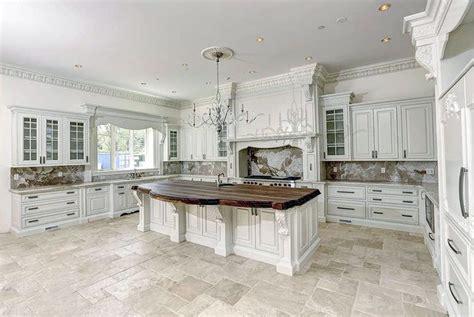 Best 25 Modern Luxury kitchen designs with white cabinets