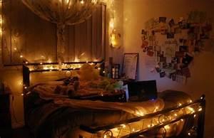 Tumblr Zimmer Lichterketten : 48 romantic bedroom lighting ideas digsdigs ~ Eleganceandgraceweddings.com Haus und Dekorationen