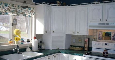 What Color Should I Paint My Kitchen Island?