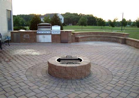 built  grillfridgestove top patio pavers design