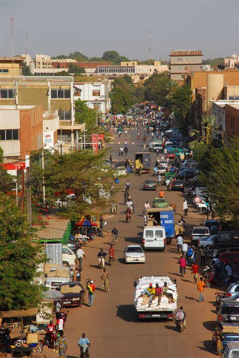 Pin de Mada M en Destinations   Ghana, Continentes, Costa ...