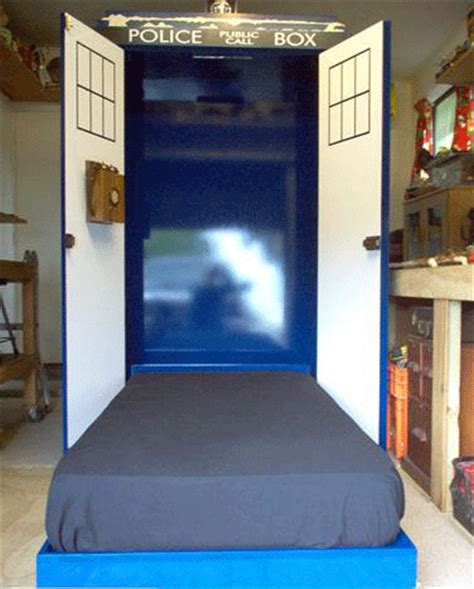Murphy Beds Ta by Doctor Who Thing Of The Day Tardis Murphy Bed