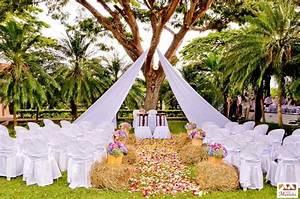 deco mariage champetre tout ce dont vous avez besoin With tapis champ de fleurs avec canapé gonflable extérieur