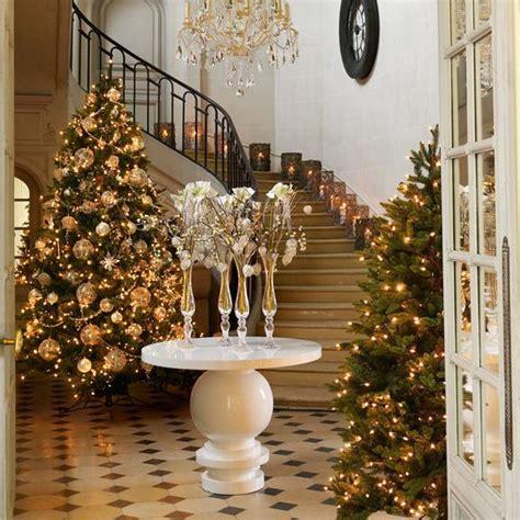 decoration sapin noel blanc d 233 corer un sapin de no 235 l en blanc et en or d 233 co de sapin de no 235 l blanc et or de sia home