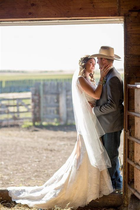 western style barn wedding country wedding  barn