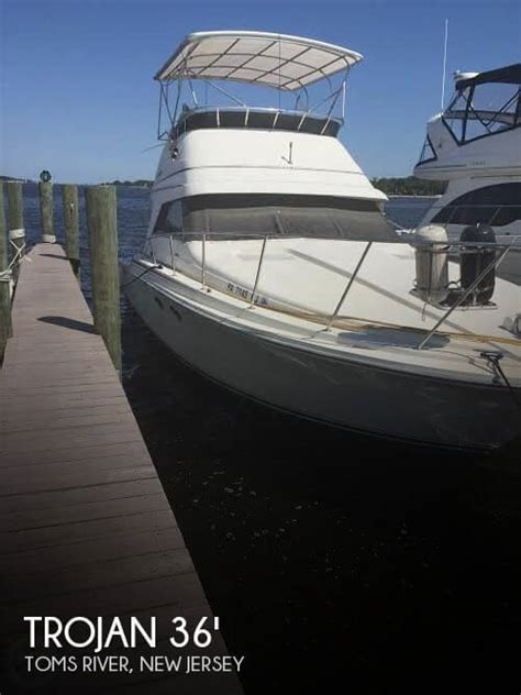 Fishing Boat Rentals Toms River Nj by 36 Foot Trojan 36 36 Foot Fishing Boat In Toms River Nj