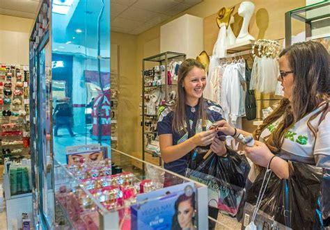 day   life  tacoma mall  news tribune
