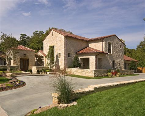 Mediterranean & Tuscan Style Homes