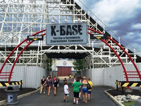 x base entrance to flight of fear and hawk roller