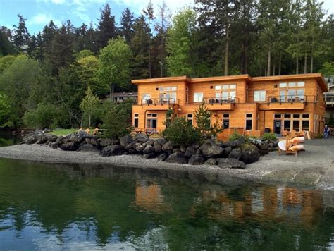 Sneak Away To The San Juan Islands At Snug Harbor Resort