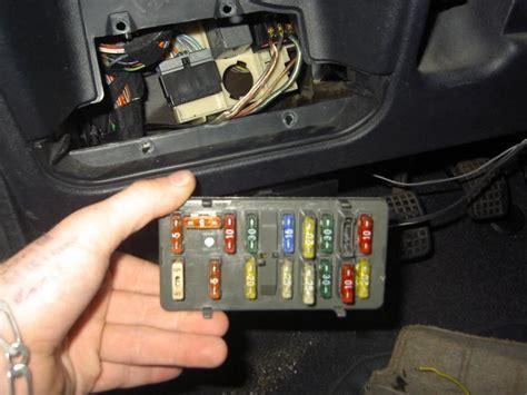 comment installer un siege auto dans une voiture installer un allume cigare sur 106 ph1 de 95 106
