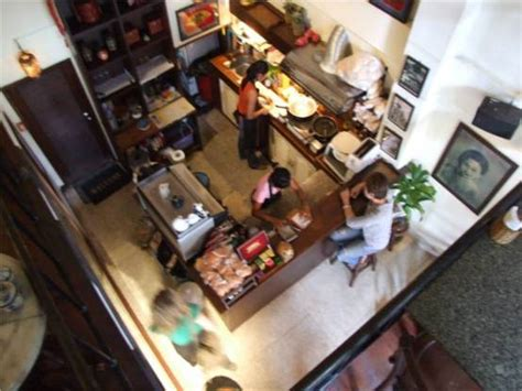 faux plafond cuisine ouverte aménager sa cuisine professionnelle par la réglementation