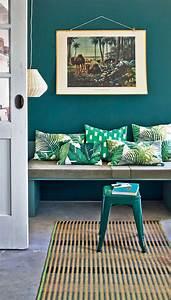 la couleur de l39annee bleu paon ou bleu canard With superb couleur mur bureau maison 11 deco florale maison