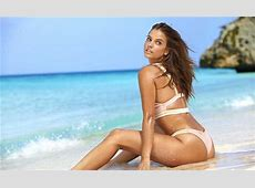 Barbara Palvin Hot Pics In Sports Illustrated Swimsuit 2017