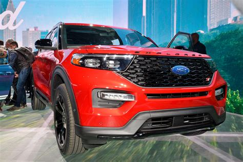 ford explorer    expensive  lincoln