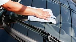 Nettoyer Vitre Voiture : l 39 astuce pour avoir des vitres de voiture sans aucune trace ~ Mglfilm.com Idées de Décoration