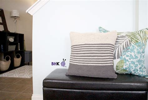 Maker Home Decor Knit Pillow  Free Pattern Bhooked