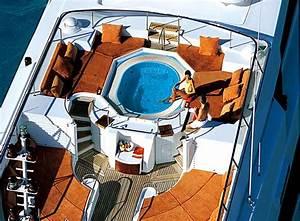 Mga Yacht BAD GIRL Location Vacances De Luxe Sunreef
