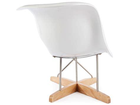 eames la chaise blanc