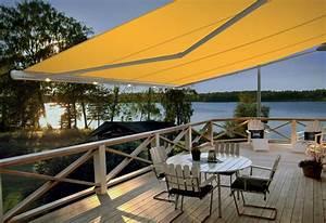 Holzfliesen Für Balkon Und Terrasse : schattenspender sonnenschutz auf balkon und terrasse ~ Bigdaddyawards.com Haus und Dekorationen