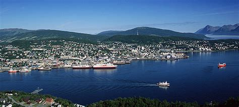 Trondenes church and adolfkanonen are notable landmarks, and some of the area's activities can be experienced at gangsastoppen and harstad golf club. Motstand mot flytting fra Harstad
