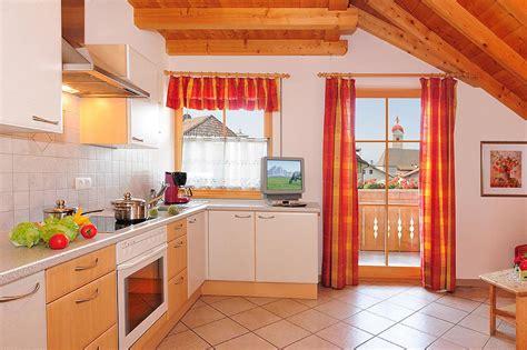 Appartamenti Per Le Vacanze by Appartamenti Per Le Vacanze A Naz Sciaves Walderhof