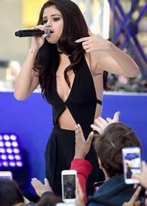 Selena Gomez - NBC's 'Today' at Rockefeller Plaza in NYC