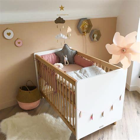 chambre bébé beige idée déco pour une pièce aux tons très