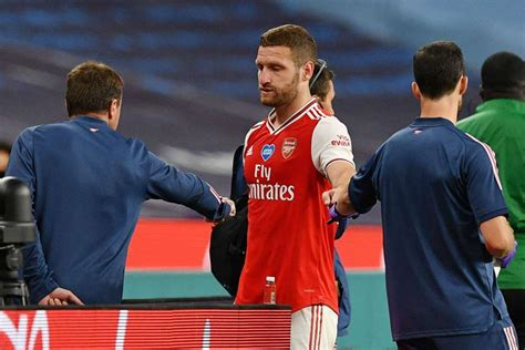 Mustafi out until October, Leno set to train ahead of FA ...