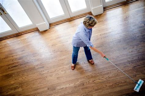 cleaning wooden floorboards how to