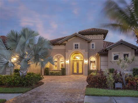 Elegant Designed Estate Home With Amazing  Homeaway Lely