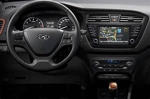 Hyundai I20 Navi : hyundai i20 i20 active with touchscreen now on sale autocar india ~ Gottalentnigeria.com Avis de Voitures