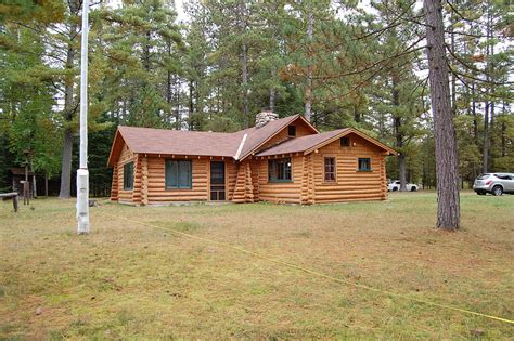 cottages for in michigan michigan lakefront cottages for mullett lake home