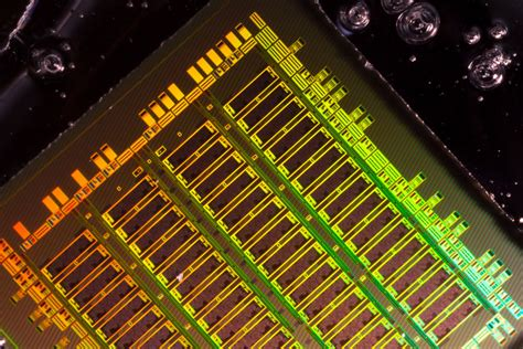 mit was mäuse fangen integrating optical components into existing chip designs