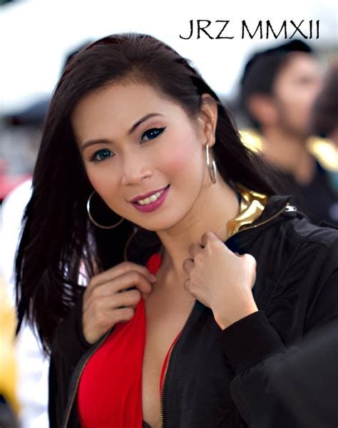 Fines Pena Busty Pinay Car Show Girl Sexy Pinays On Facebook