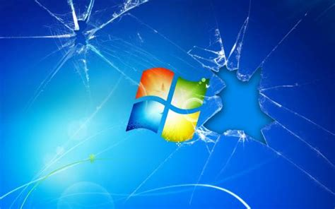 Картинка разбитое стекло заставки Windows 7 голубой фон