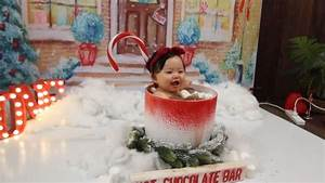 How I made this hot cocoa setup for baby photo shoot [Video] | Baby christmas photos, Christmas ...