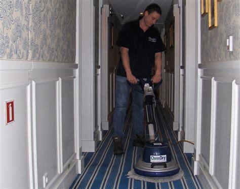 schoonmaken vloerbedekking vloerbedekking schoonmaken chem dry doornenbal