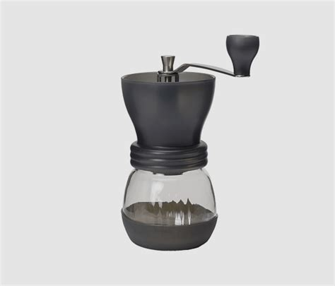 This hand mill is equipped with a precise ceramic grinding gear with adjustable grind. Hario Ceramic Mill Skerton Coffee Grinder for precision and freshness
