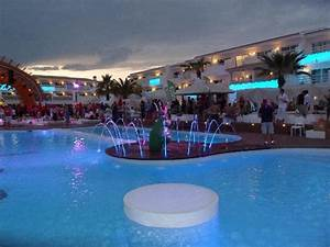 Party Hotel Ibiza : vue balcon picture of ushuaia ibiza beach hotel playa d 39 en bossa tripadvisor ~ A.2002-acura-tl-radio.info Haus und Dekorationen