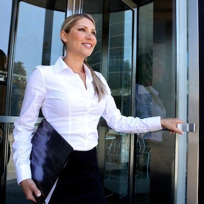 What to Wear to Interview Receptionist Job