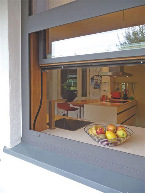 Wohnung Mit Garten Oder Terrasse In Bergkamen by Vertikal Schiebefenster Aus Holz Alu Als Durchreiche Zur