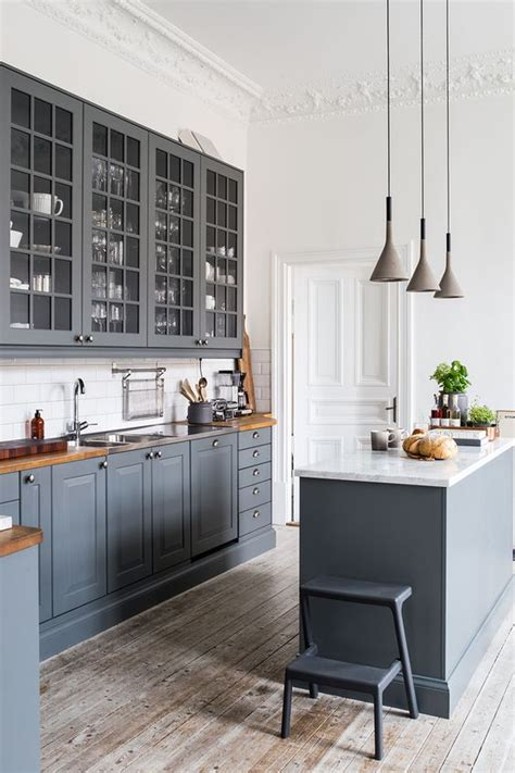 grey floor white kitchen 30 grey kitchens that you ll never want to leave digsdigs 4062