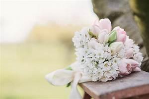 Welche Blumen Blühen Im August : wann ist die richtige jahreszeit zum heiraten inspiration von onamora lieschen heiratet ~ Orissabook.com Haus und Dekorationen