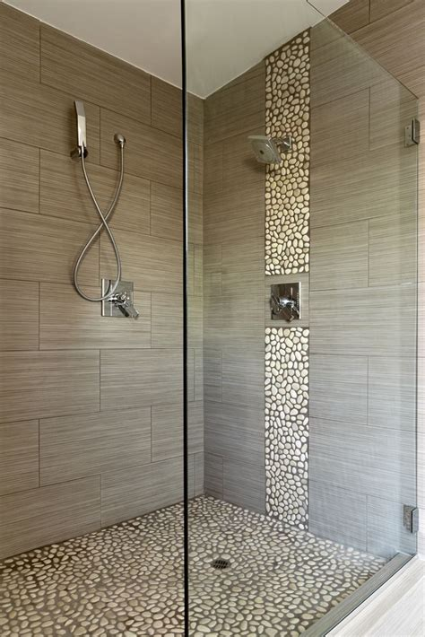 Fall In Shower Floor by Best 25 River Rock Shower Ideas On River Rock