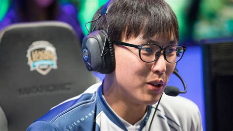 yiliang doublelift peng   fan   league  legends
