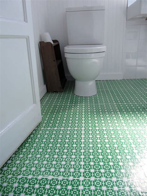 Bathroom Flooring Ideas Uk by Beautiful Patterned Green Bathroom Vinyl Flooring For