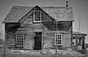 Silverpixel: OLD FARM HOUSE, EAU CLAIR, ONTARIO