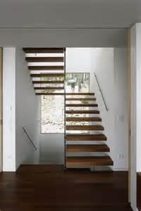 steile treppen die besten 17 ideen zu handlauf holz auf treppengeländer holz geländer und geländer