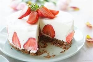 Torte Mit Erdbeeren : panna cotta torte mit erdbeeren ~ Lizthompson.info Haus und Dekorationen